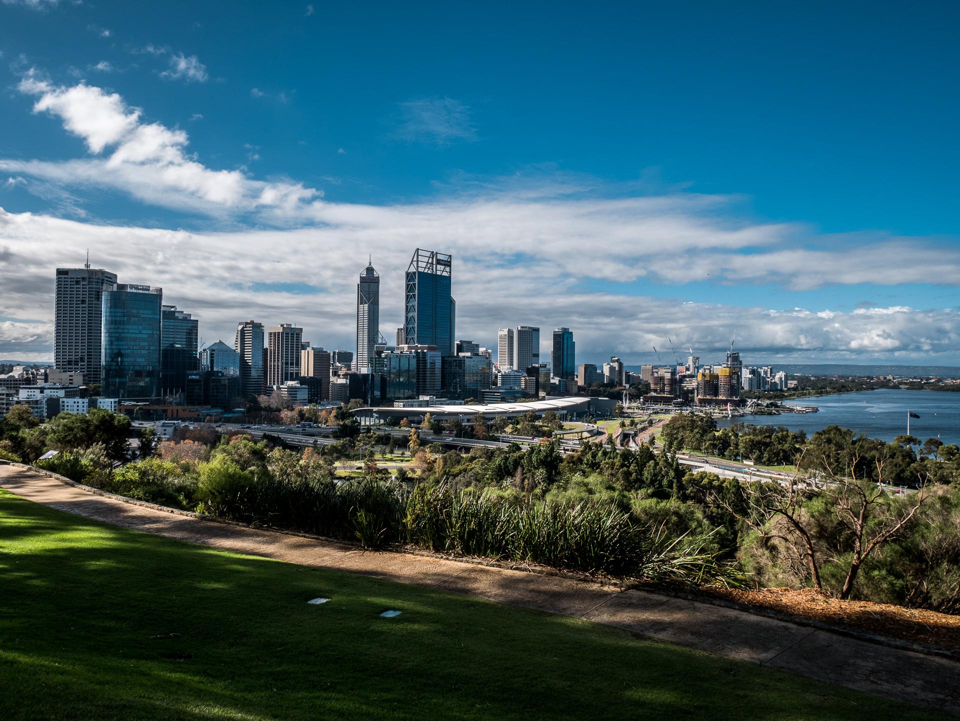 Die Skyline von Perth ist beeindruckend