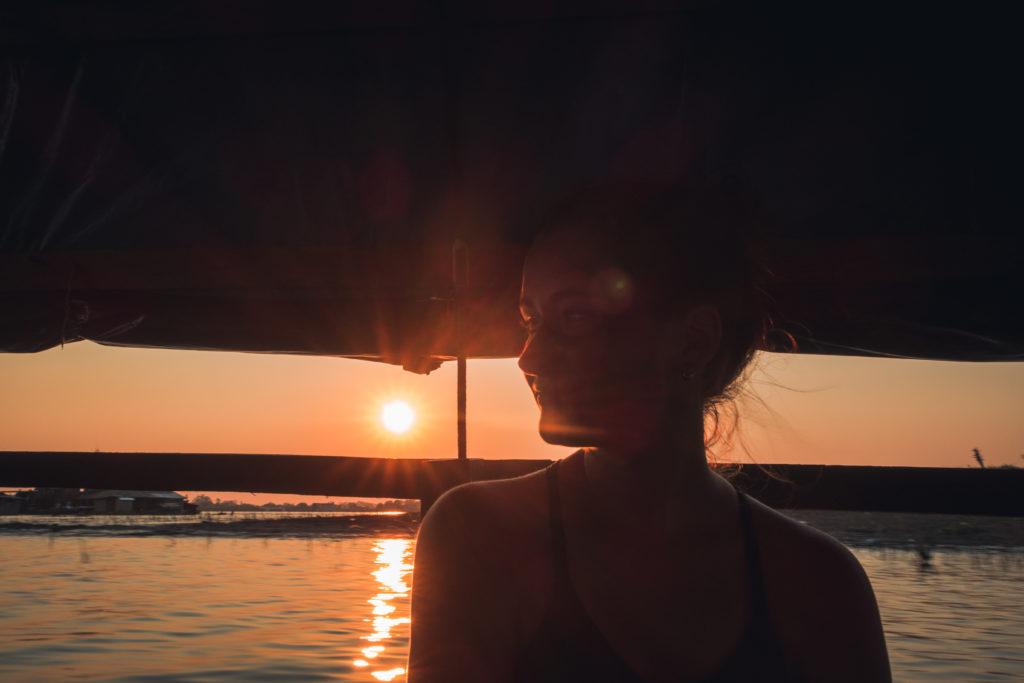 die Sonne steht schon tief